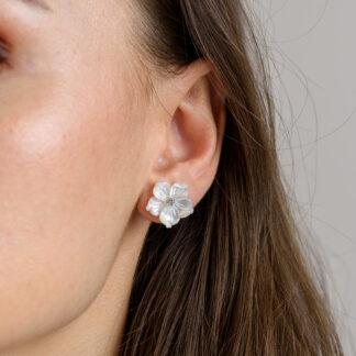 FLOWER POWER PEARL EARRINGS